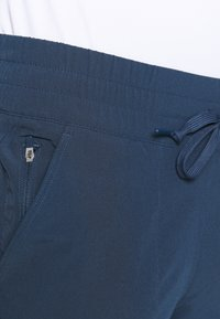 adidas Golf - GO TO COMMUTER PANT - Pantaloni - crew navy - 4