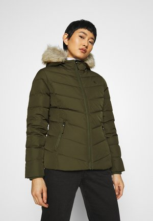 SHORT FITTED PUFFER - Dunjakke - olive