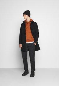Only & Sons - ONSOSCAR STAR COAT  - Classic coat - black - 1