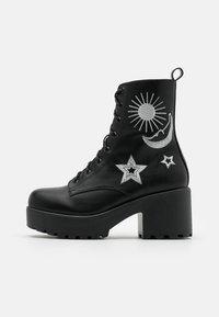 Koi Footwear - VEGAN  - Kotníkové boty na platformě - black/silver - 1