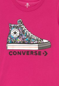 Converse - RHINESTONE PRINT CHUCK TEE - Print T-shirt - vivid pink - 2