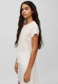 Marc O'Polo DENIM - REGULAR FIT - Basic T-shirt - scandinavian white - 4
