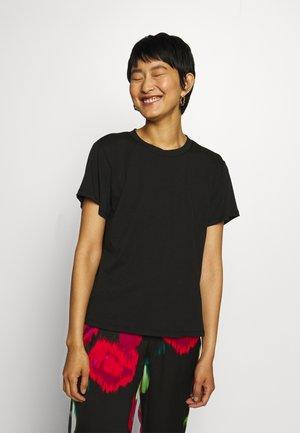 V-BACK - Basic T-shirt - black