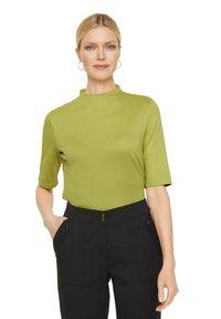 comma - Basic T-shirt - spring green - 4