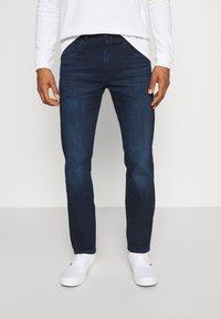 Lee - DAREN - Straight leg jeans - dark-blue denim/blue - 0