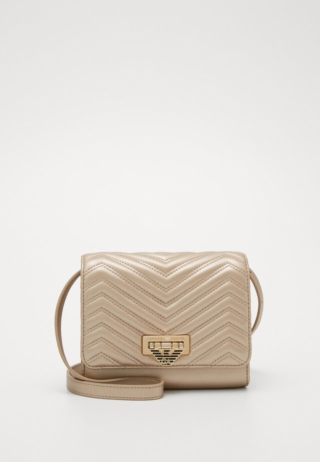AMY CHEVRON SHOULDER BAG - Umhängetasche - chiaro