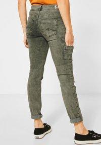 Street One - COLOUR-DENIM IM STYLE - Slim fit jeans - grün - 2