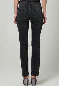 MAC Jeans - DREAM - Straight leg jeans - grau - 4