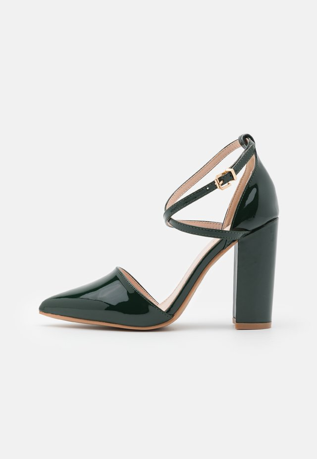 WIDE FIT KATY - Zapatos altos - dark green