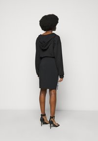 Versace Jeans Couture - SKIRT LOGO TAPE - Pencil skirt - black - 2