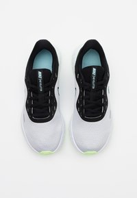 Nike Performance - REVOLUTION 5 - Zapatillas de running neutras - pure platinum/glacier ice/black - 3