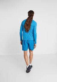 ODLO - SHORTS CORE LIGHT - Sportovní kraťasy - mykonos blue - 2