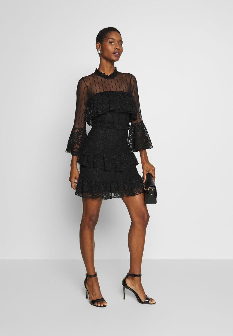 trendyol siyah - cocktailkleid/festliches kleid - black