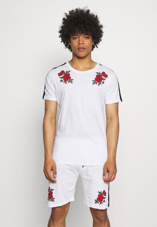 ROSE PRINTED SET - T-shirt print - white