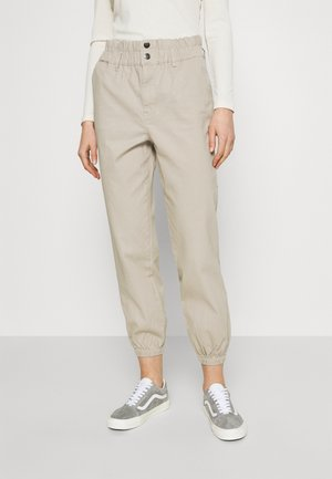 ONLCECE PANT - Trousers - humus