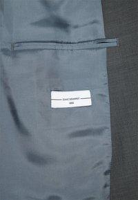 Isaac Dewhirst - SUIT - Garnitur - dark grey - 10