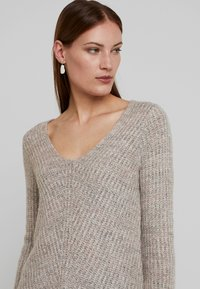 Abercrombie & Fitch - LONG FUZZY - Svetr - pink/grey - 3