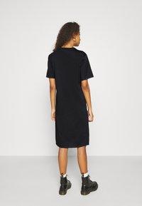 Even&Odd - Basic midi Jerseykleid - Jersey dress - black - 2