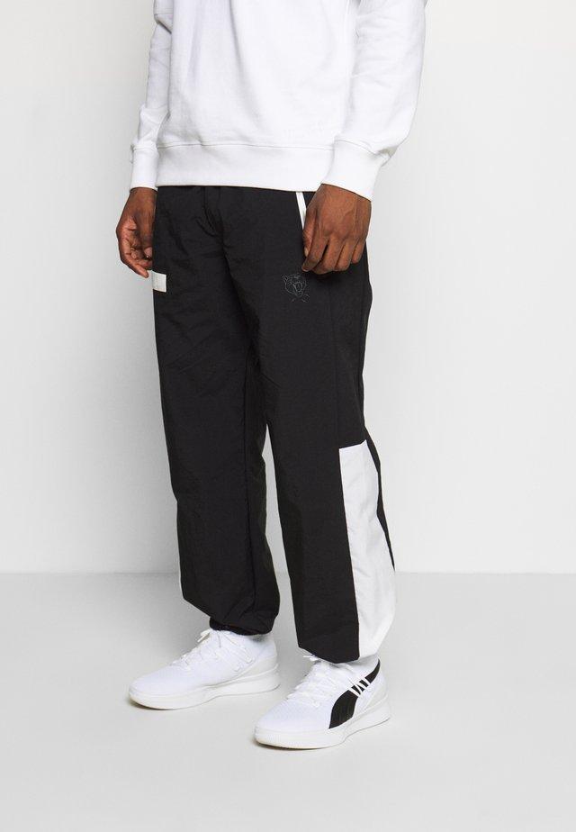 HOOPS WARM UP PANT - Jogginghose - black/white