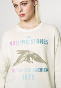 American Eagle - BEACH LONG SLEEVE TEE ROLLING STONES - Long sleeved top - natural white - 5