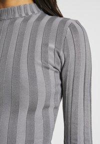 Missguided - EXTREME CREW NECK BODYSUIT - Stickad tröja - grey - 5