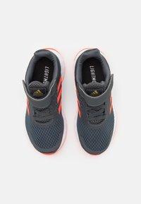 adidas Performance - DURAMO UNISEX - Laufschuh Neutral - grey six/solar red/carbon - 3