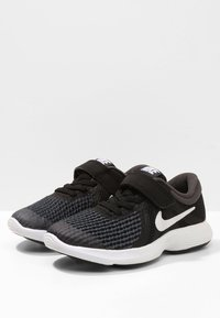 Nike Performance - REVOLUTION 4 - Neutrala löparskor - black/anthracite/white - 2