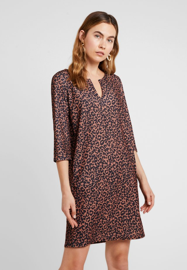 MAZARON - Jersey dress - hazel
