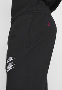 Nike Sportswear - PANT - Spodnie treningowe - black - 4
