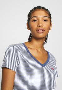 Levi's® - PERFECT V NECK - T-shirts basic - blue indigo - 3