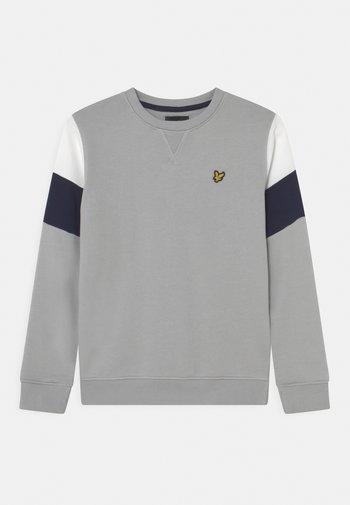 CUT AND SEW CREW NECK - Sweatshirt - high rise