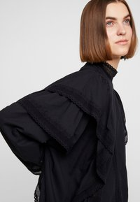 Carin Wester - BLOUSE ABIA - Blouse - black - 3