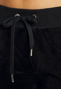 Juicy Couture - ANNIVERSARY CREST TRACK PANTS - Trainingsbroek - black - 6