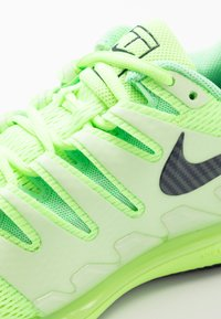 Nike Performance - AIR ZOOM VAPOR X - Buty tenisowe uniwersalne - ghost green/blackened blue/barely volt - 5