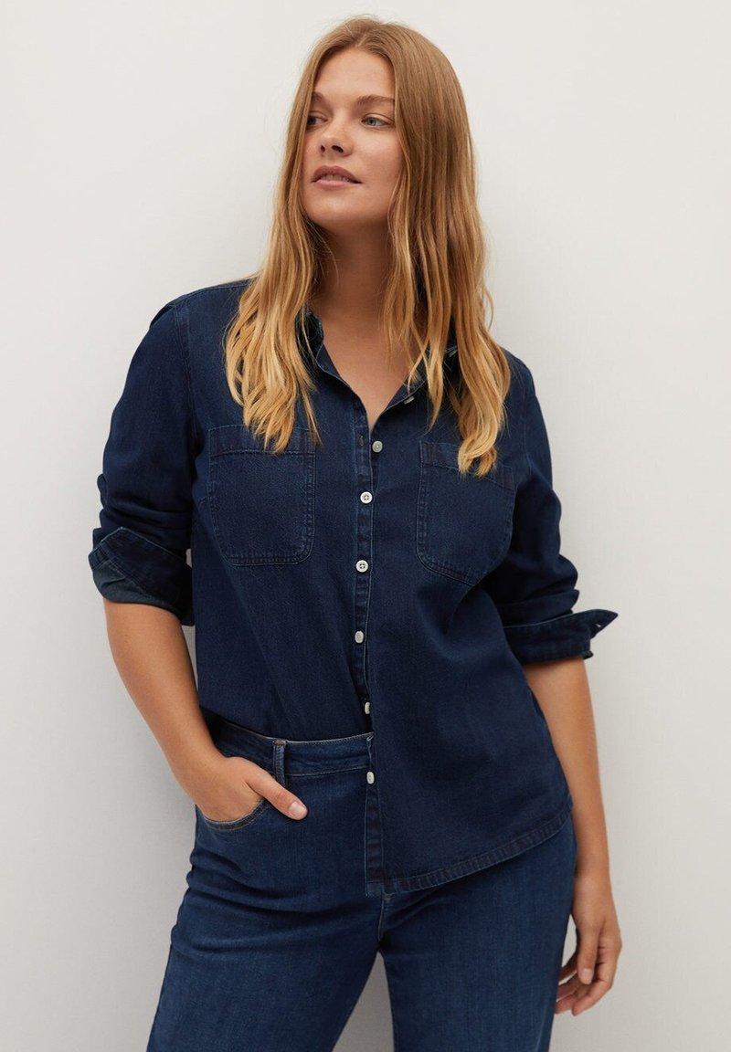 Violeta by Mango - ESTRELLA - Button-down blouse - intenzivní tmavě modrá