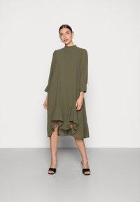 Saint Tropez - BOLETTE DRESS - Denní šaty - army green - 0