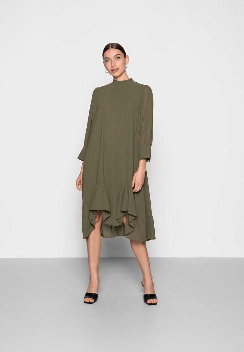Saint Tropez - BOLETTE DRESS - Denní šaty - army green