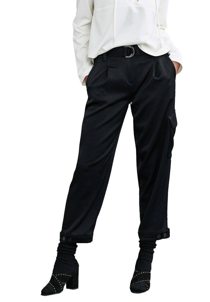 RIANI - Cargo trousers - schwarz
