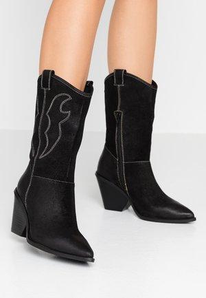 TAGGY - Kozačky na vysokém podpatku - black