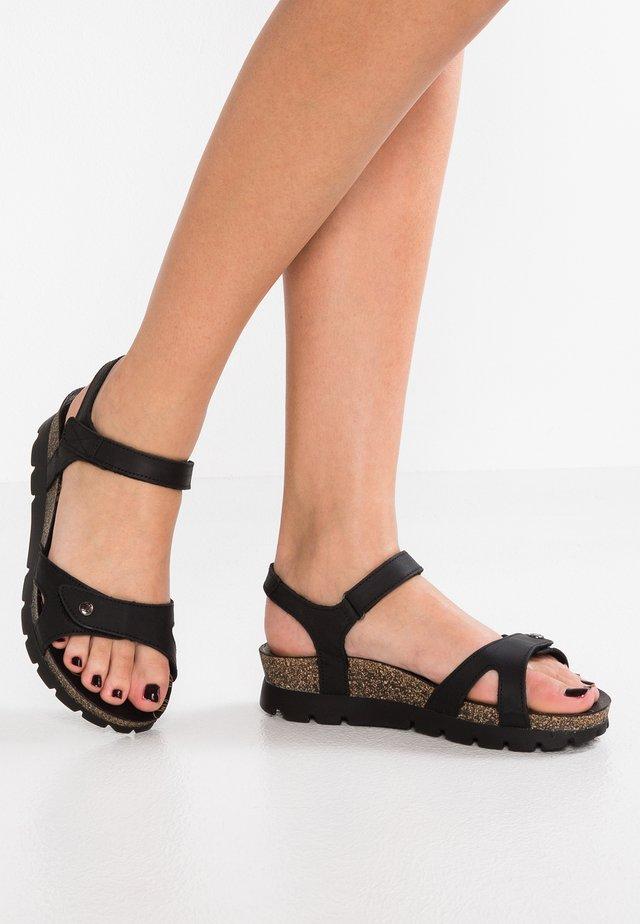 SULIA BASICS - Sandalen met plateauzool - black