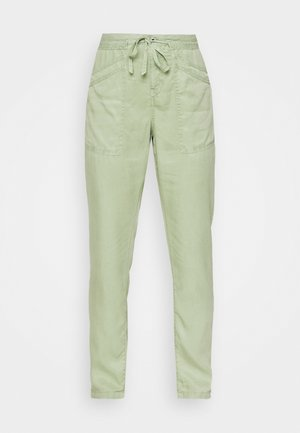 DASH - Pantalones - palm green