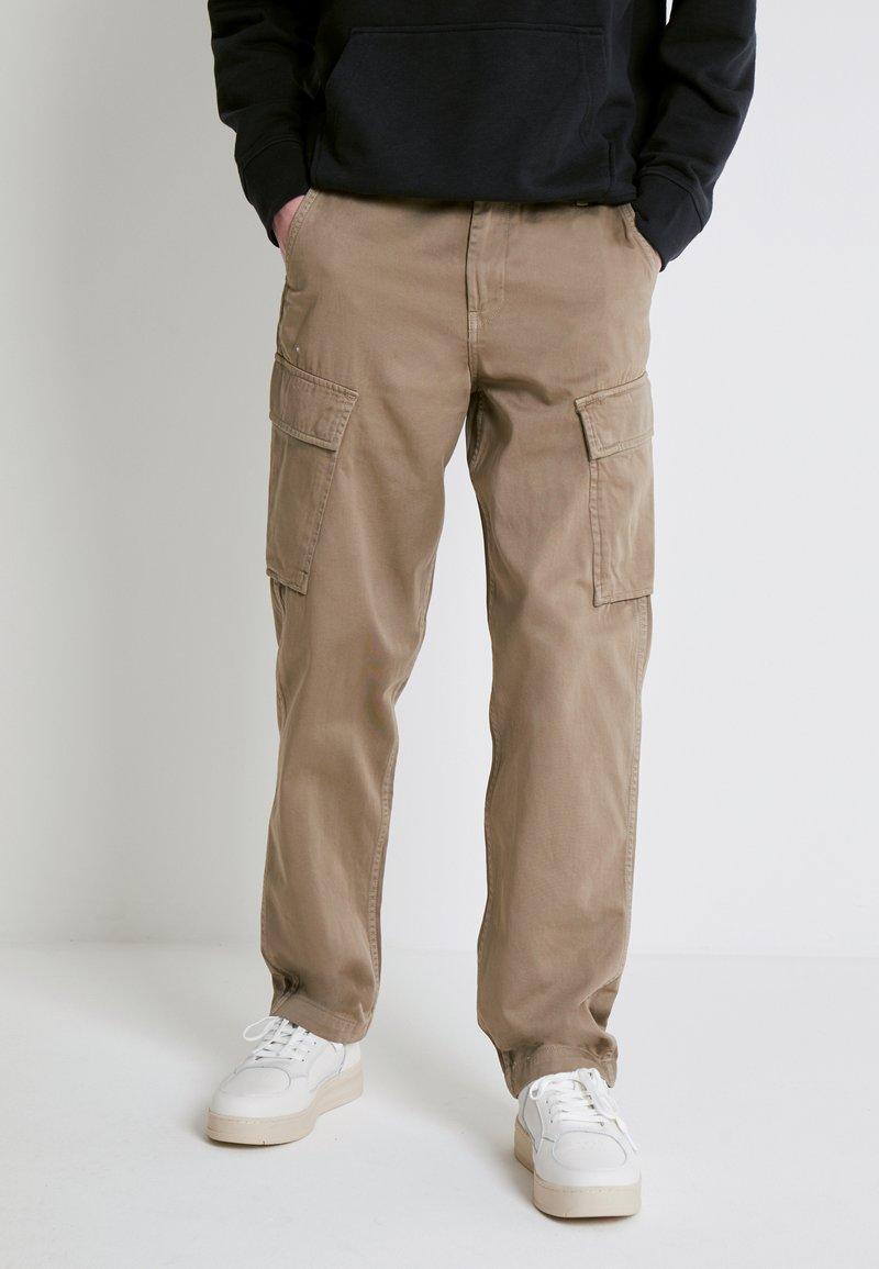 Levi's® - XX TAPER CARGO II - Cargo trousers - brindle back