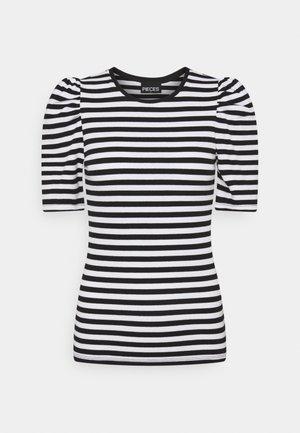 PCANNA - Print T-shirt - brigth white/black