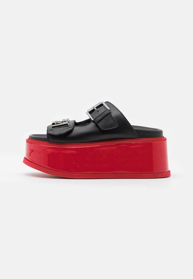 Klapki - black/red