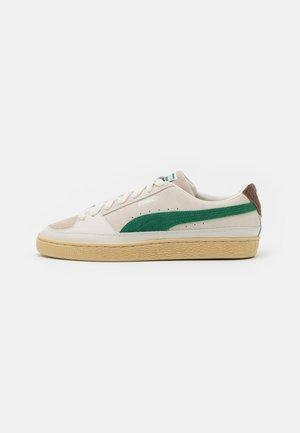 X RHUIGI - Basketball shoes - whisper white/juniper