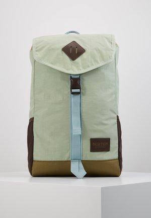 WESTFALL PACK - Batoh - sage green crinkle