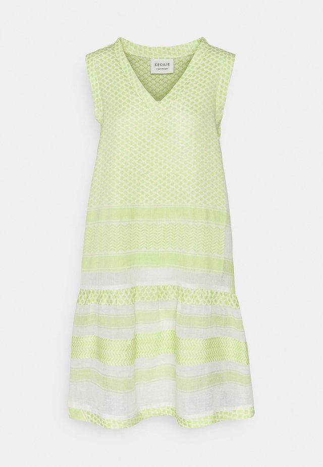 DRESS - Freizeitkleid - avocado green