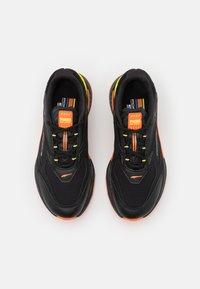 Puma - RS-FAST UNISEX - Trainers - black/celandine/carrot - 3