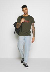 Esprit - LOGO - T-shirt print - olive - 1