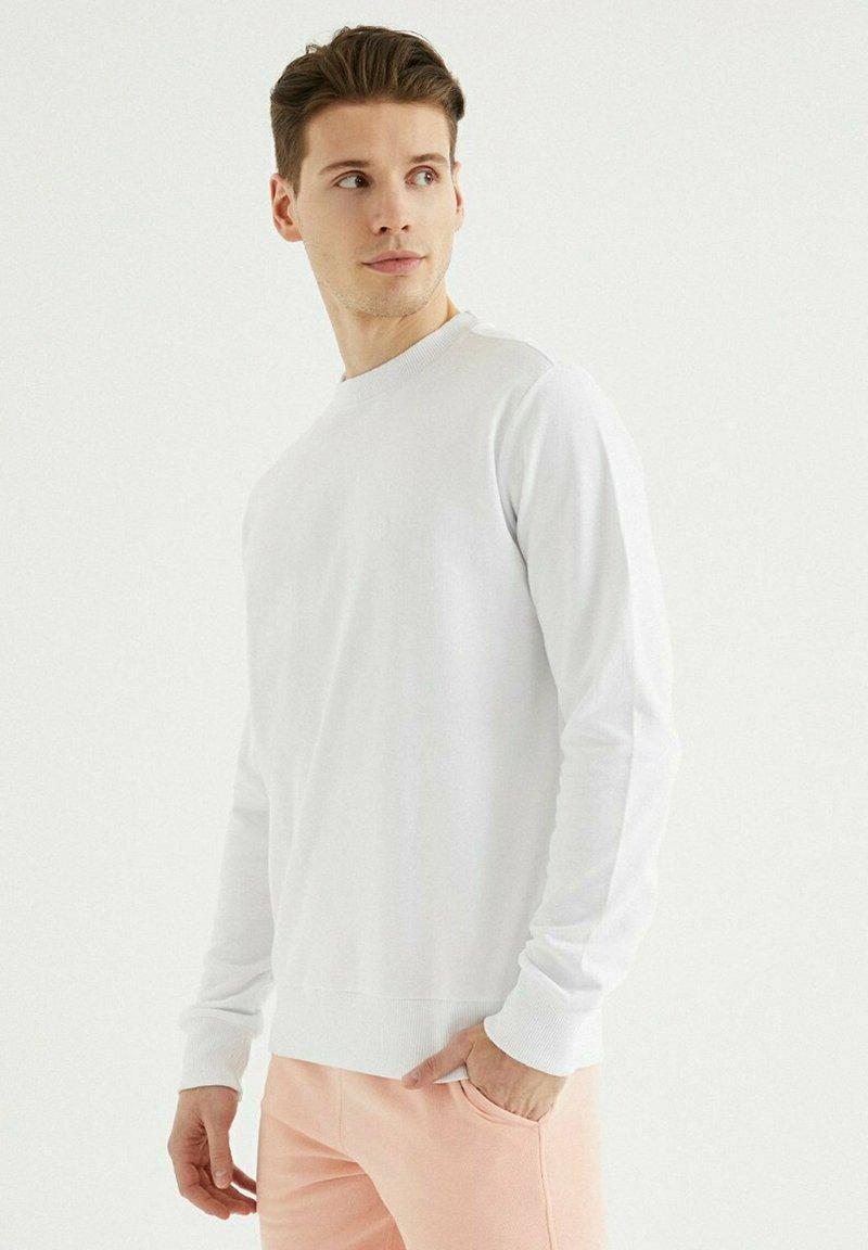 WESTMARK LONDON - Sweatshirt - white